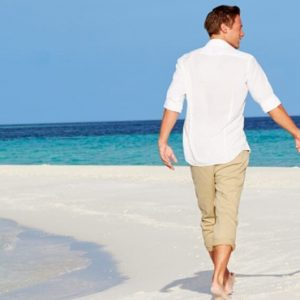 Maldives Honeymoon Packages Baglioni Maldives Resorts Wedding Bride And Groom On Beach