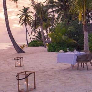 Maldives Honeymoon Packages Baglioni Maldives Resorts Private Dining On Beach