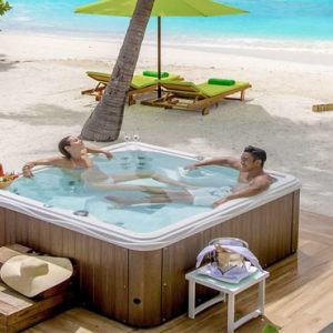 Maldives Honeymoon Packages Emerald Resort & Spa Jacuzzi Beach Villa2