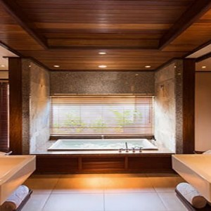Constance Ephelia - Luxury Seychelles Honeymoon Packages - Beach villa bathroom
