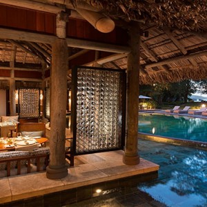 Constance Ephelia - Luxury Seychelles Honeymoon Packages - Cyann restaurant and bar
