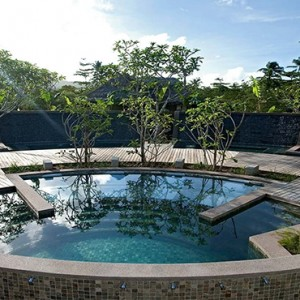 Constance Ephelia - Luxury Seychelles Honeymoon Packages - Spa pool