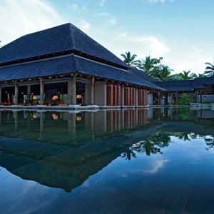 Constance Ephelia - Luxury Seychelles Honeymoon Packages - Zee bar exterior