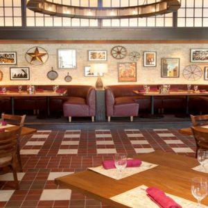 Virgil's BBQ Restaurant The Cove At Atlantis Bahamas Honeymoons