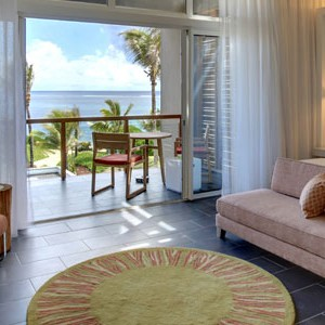 Long Beach Mauritius king size bed romance