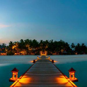 Maldives Honeymoon Packages Banyan Tree Vabbinfaru Bridge View 2