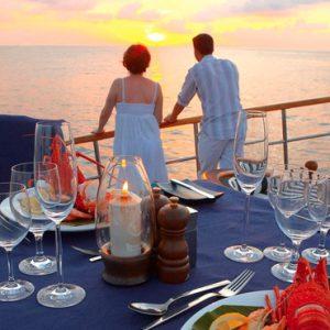 Maldives Honeymoon Packages Banyan Tree Vabbinfaru Dining Views