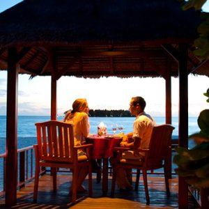 Maldives Honeymoon Packages Banyan Tree Vabbinfaru In Villa Dining