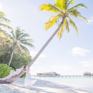 Maldives Honeymoon Packages Conrad Maldives Rangali Island Couple On Beach