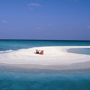 Sandbank Banyan Tree Vabbinfaru Luxury Maldives Holidays