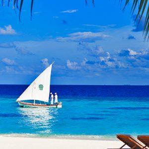 Beach Banyan Tree Vabbinfaru Luxury Maldives Holidays
