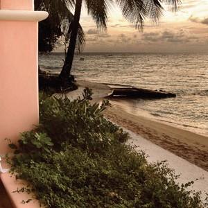 Fairmont Royal Pavilion beach dining ocean view romantic meal