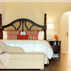 Fairmont Royal Pavilion suite