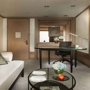 Thailand Honeymoon Packages Banyan Tree Bangkok Serenity Club Living Area