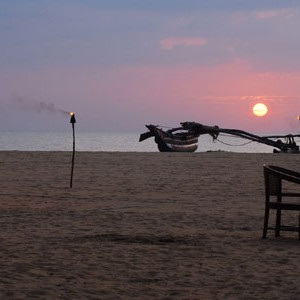 jetwing beach sri lanka romantic sunset