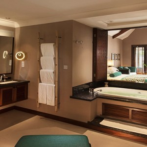 Constance Lemuria - Luxury Seychelles Honeymoon Packages - Beach villa with pool bathroom1