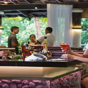 Constance Lemuria - Luxury Seychelles Honeymoon Packages - Diva bar