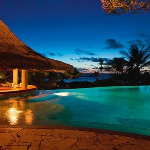 Constance Lemuria - Luxury Seychelles Honeymoon Packages - Pool bar