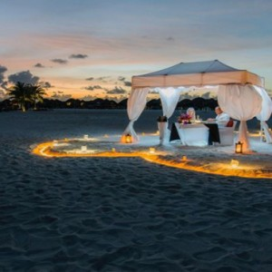 Constance Lemuria - Luxury Seychelles Honeymoon Packages - Private beach dining