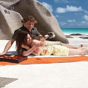 Constance Lemuria - Luxury Seychelles Honeymoon Packages - Romantic beach picnic1