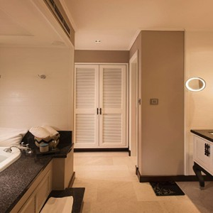 Constance Lemuria - Luxury Seychelles Honeymoon Packages - Senior Suite bathroom1