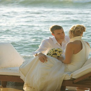 Constance Lemuria - Luxury Seychelles Honeymoon Packages - wedding couple