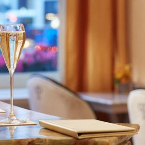 New York Honeymoon Packages The Plaza New York Champagne Bar
