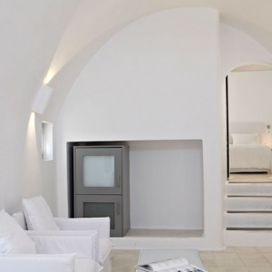 2 HONEYMOON JETTED TUB SUITES - sun Rocks Hotel Santorini - luxury santorini honeymoon packages
