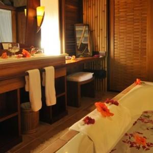 8 End Of Pontoon Horizon Overwater Villa - Intercontinental Bora Bora Le Moana Resort - Luxury Bora Bora Honeymoon Packages
