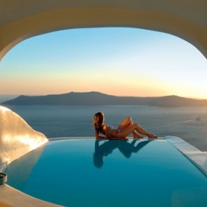 2 SUN ROCKS SUITE WITH PRIVATE POOL - sun Rocks Hotel Santorini - luxury santorini honeymoon packages