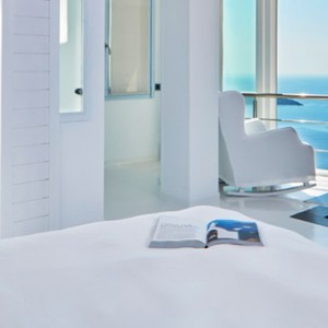 2 EXPERIENCE JETTED TUB SUITES - sun Rocks Hotel Santorini - luxury santorini honeymoon packages