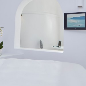 Junior Suites - sun Rocks Hotel Santorini - luxury santorini honeymoon packages