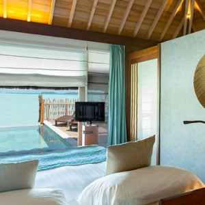 Pool Premium Overwater Villa 4 - InterContinental Bora Bora Resort and Thalasso Spa - Luxury Bora Bora honeymoon Packages