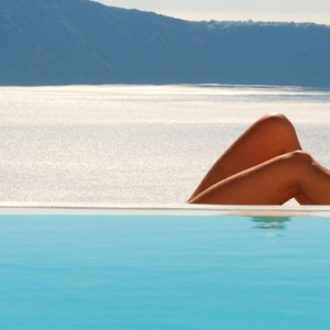Pool - sun Rocks Hotel Santorini - luxury santorini honeymoon packages