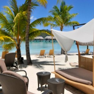 South Beach Bar - InterContinental Bora Bora Resort and Thalasso Spa - Luxury Bora Bora honeymoon Packages