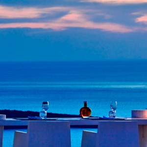 dining 2 - sun Rocks Hotel Santorini - luxury santorini honeymoon packages