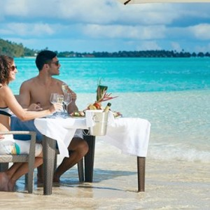 dining ---Conrad-Bora-Bora-Nui-Resort---Luxury-Bora-Bora-Honeymoon-Packages-