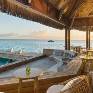 lounge bar---Conrad-Bora-Bora-Nui-Resort---Luxury-Bora-Bora-Honeymoon-Packages-