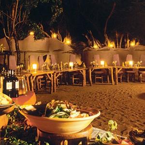 Ulusaba-Private-Game-Reserve-bush-dinner