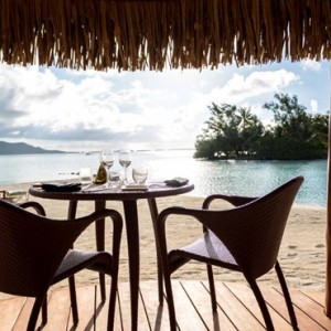 Fare Hoa Beach Bar & Grill - Four Seasons Bora Bora - Luxury Bora Bora Honeymoon Packages