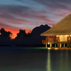 Sunset Restaurant and Bar - Four Seasons Bora Bora - Luxury Bora Bora Honeymoon Packages