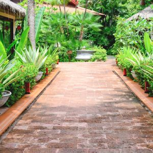 Thailand Honeymoon Packages Rockys Boutique Resort, Koh Samui Deluxe Garden Pool View3