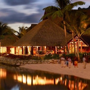 beach - Four Seasons Bora Bora - Luxury Bora Bora Honeymoon Packages