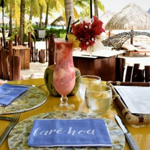 dining 4 - Four Seasons Bora Bora - Luxury Bora Bora Honeymoon Packages