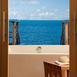 villas 10 - Four Seasons Bora Bora - Luxury Bora Bora Honeymoon Packages