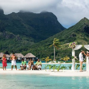 wedding - Four Seasons Bora Bora - Luxury Bora Bora Honeymoon Packages