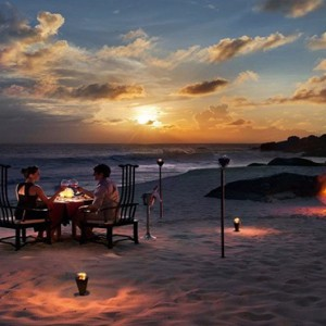 Banyan Tree Seychelles - Luxury Seychelles Honeymoon Packages - Beach candlelit dinner