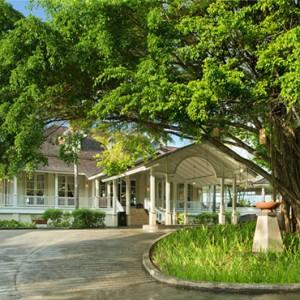 Banyan Tree Seychelles - Luxury Seychelles Honeymoon Packages - lobby entrance