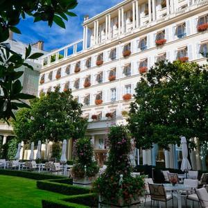 Hotel Le Bristol - garden view