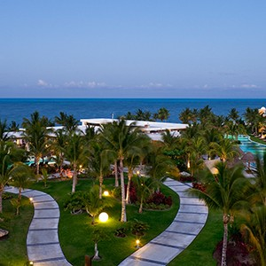 Luxury Honeymoon Packages - Excellence Palay Mujeures - exterior night